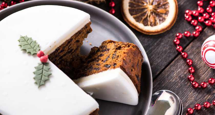 Irish christmas cakes how to make traditional irish christmas cake forumfinder Image collections