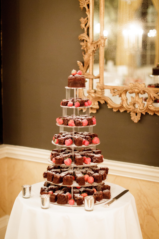 Tower Wedding Cake Image Brownie