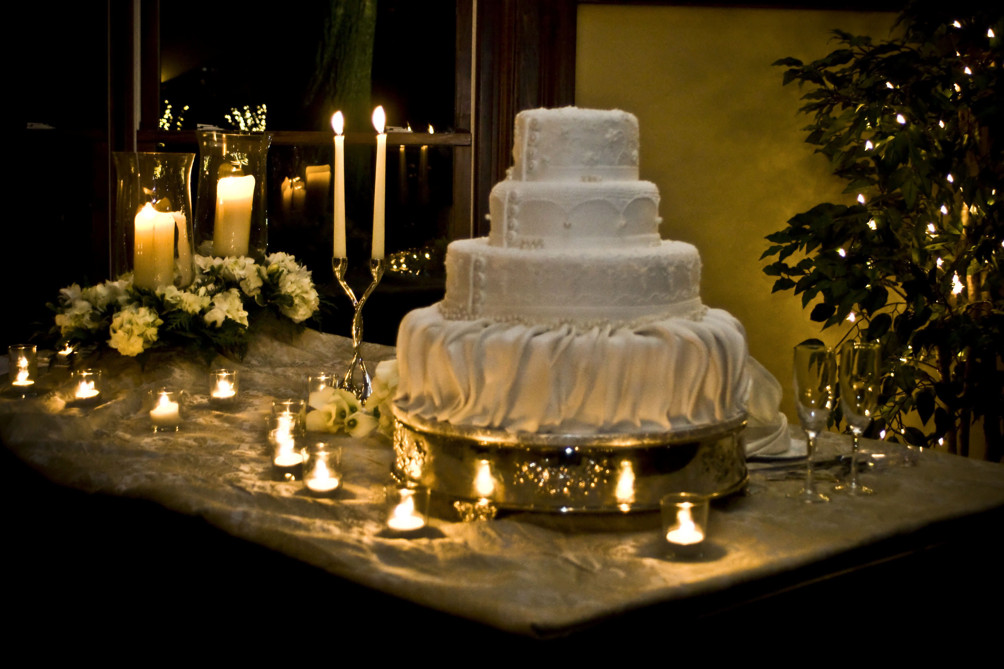 Cake Display Ideas Wedding Naturallycurlyecom