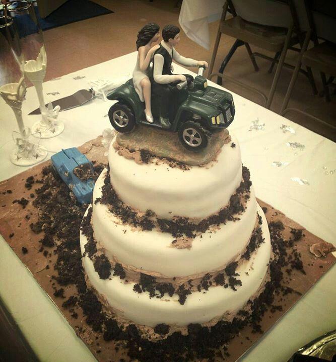 Mud Wedding Cakes