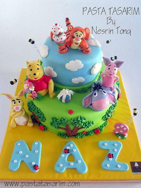 Pooh Birthday Cakes