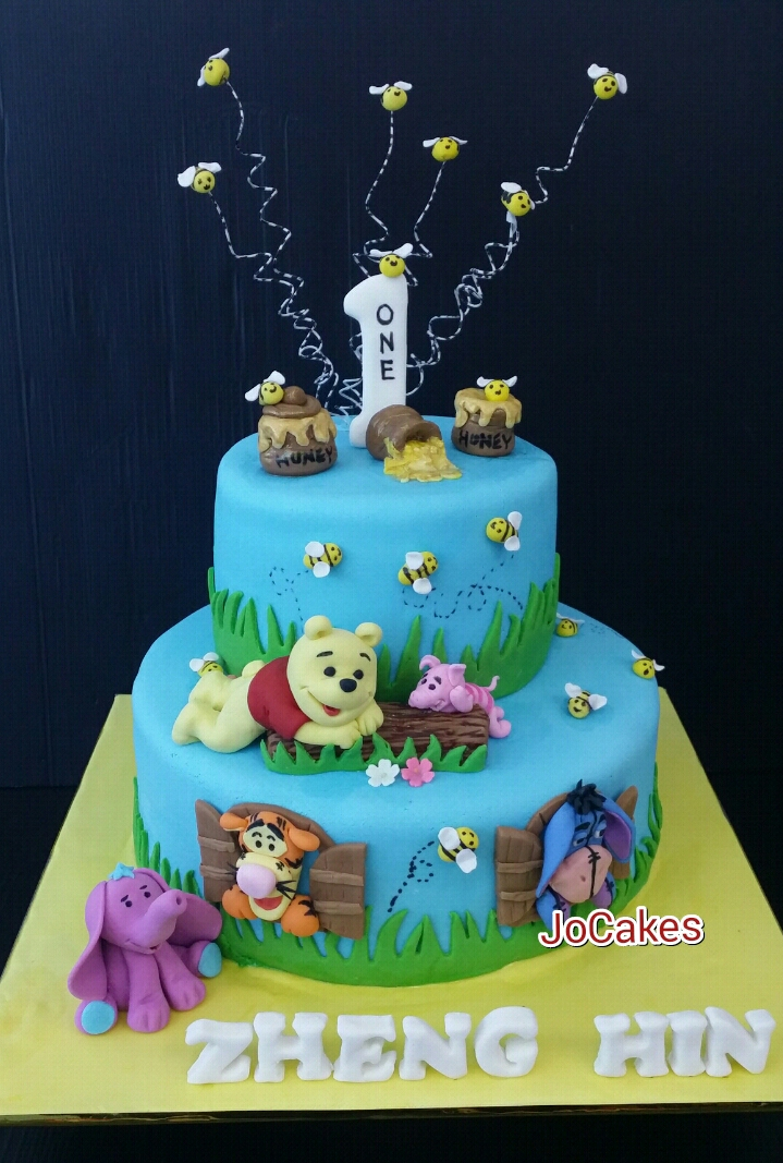 Winnie Birthday Cakes