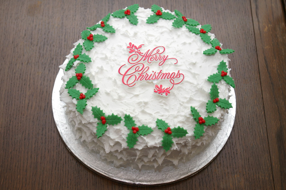 Icing Christmas Cakes