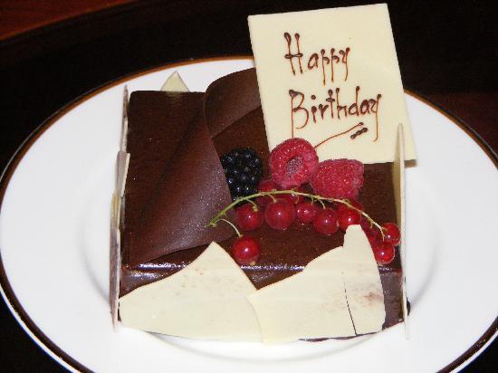 Birthday Cakes Dubai ~ Grand birthday cakes