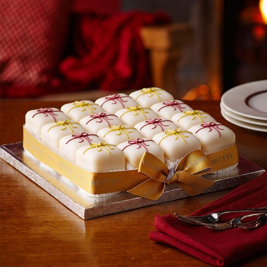 Alternative Christmas Cake.Alternative Christmas Cakes