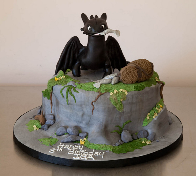 Toothless Birthday Cakes