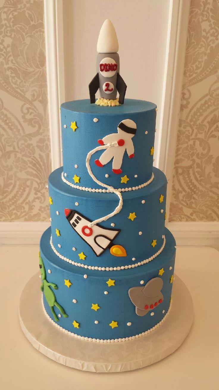 Spaceship Birthday Cakes