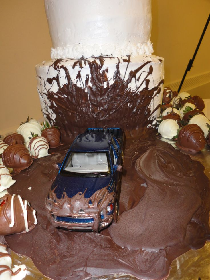 Mudding Wedding Cakes