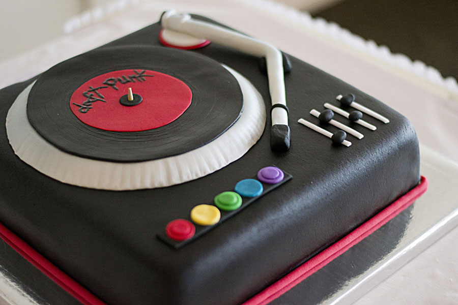 How To Make Turntable For Cake
