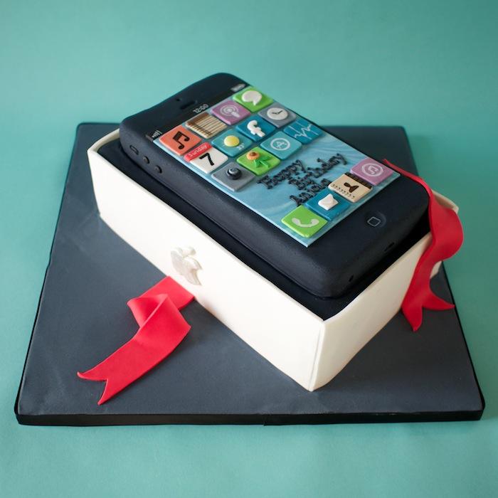 Iphone Birthday Cakes