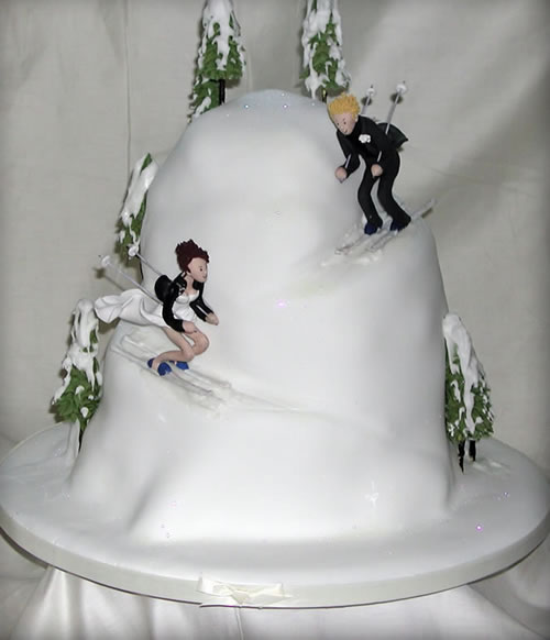 Snow Wedding Ideas: Skiing Wedding Cakes
