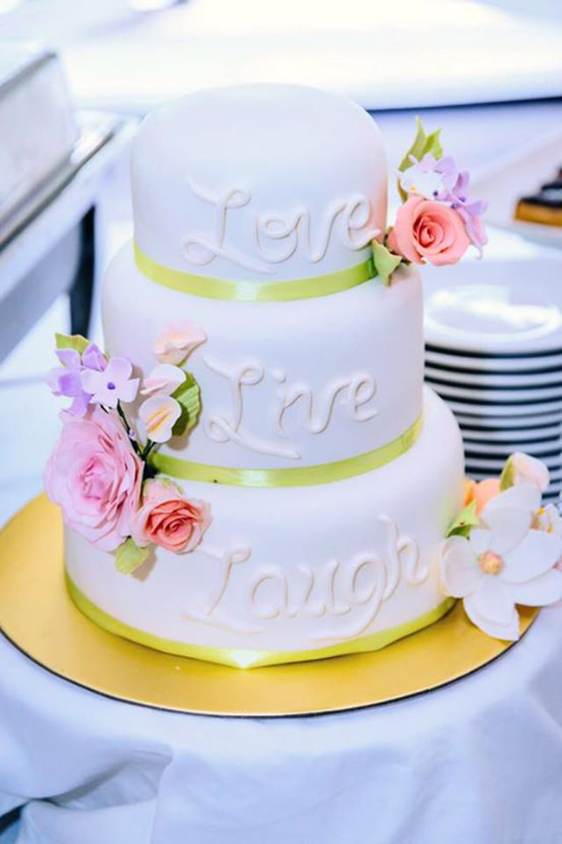 Photos Of Small Living Rooms Decorated: Singapore Wedding Cakes