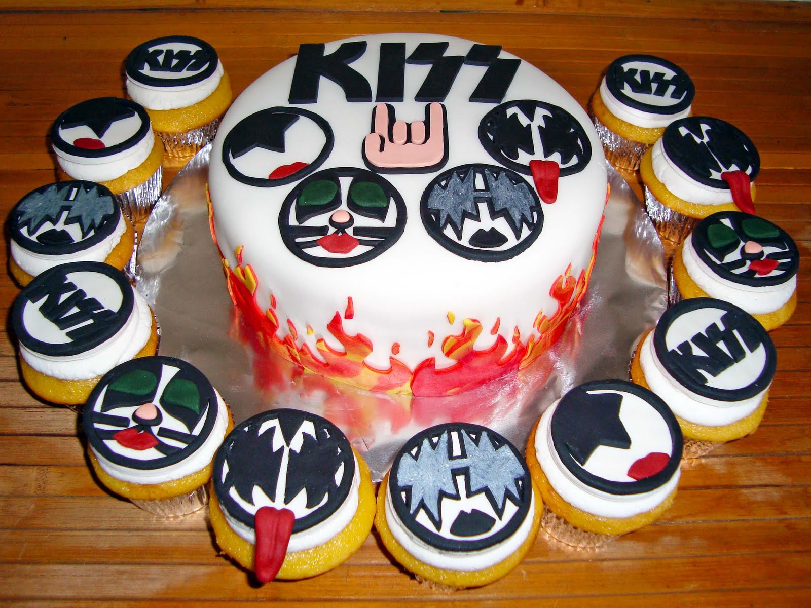 Kiss Birthday Cakes