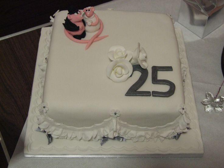 Romantic Anniversary Cakes