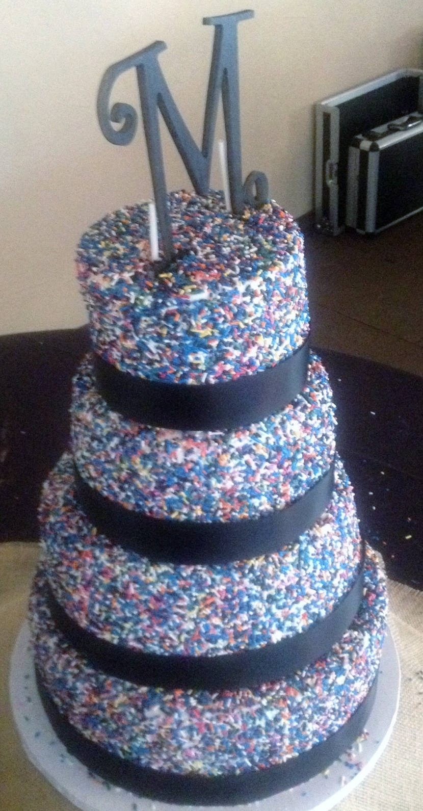 wedding cake with sprinkles sprinkle wedding cakes 26963