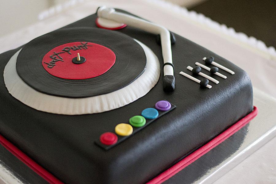 Dj Birthday Cakes
