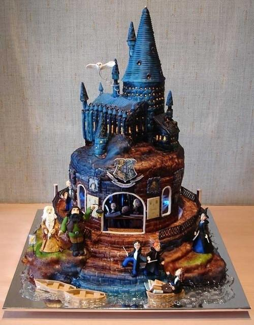 Hogwarts Birthday Cakes