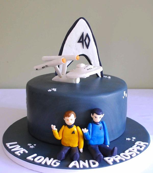 Geek Birthday Cakes