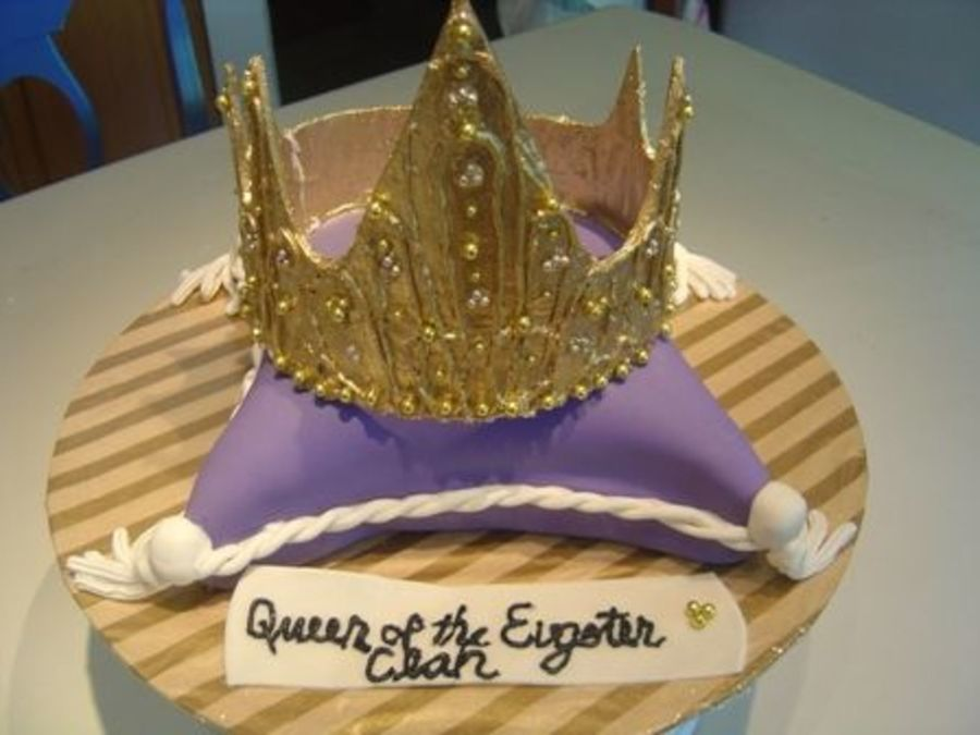 Queen Pillow And Crown Birthday Cake CakeCentral