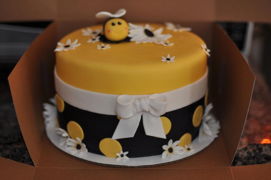 Bumblebee Birthday Cakes