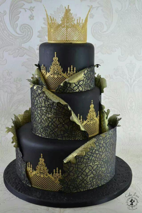 crown wedding cakes