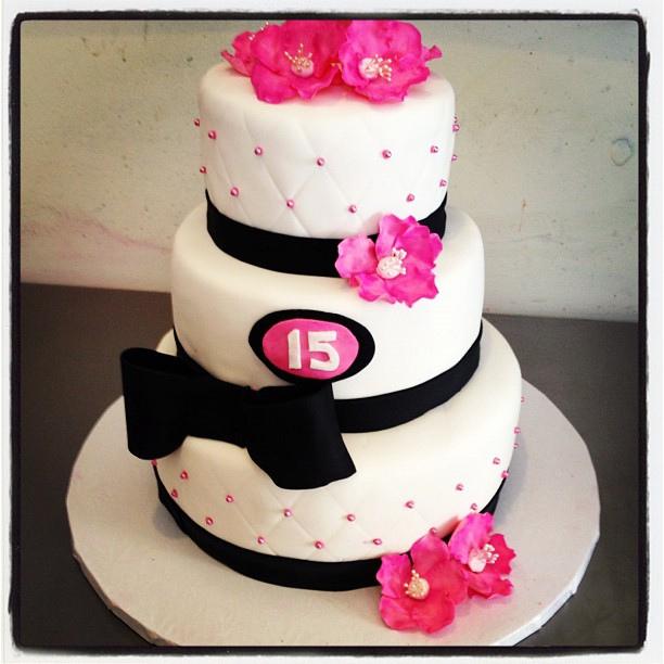 15Th Birthday Cakes