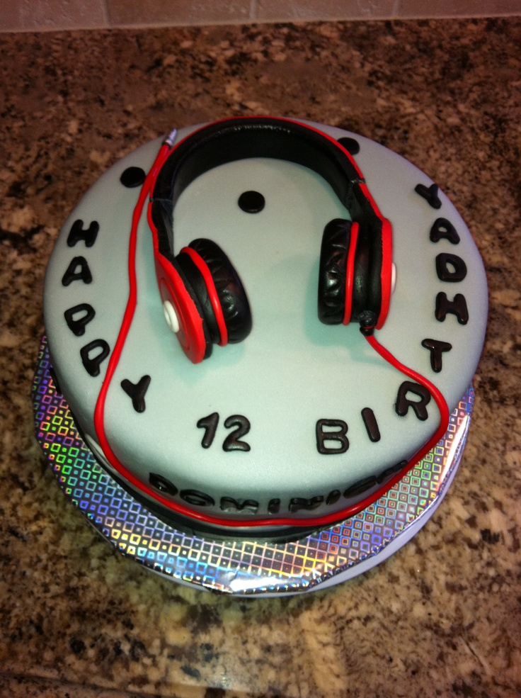 Headphones Birthday Cakes