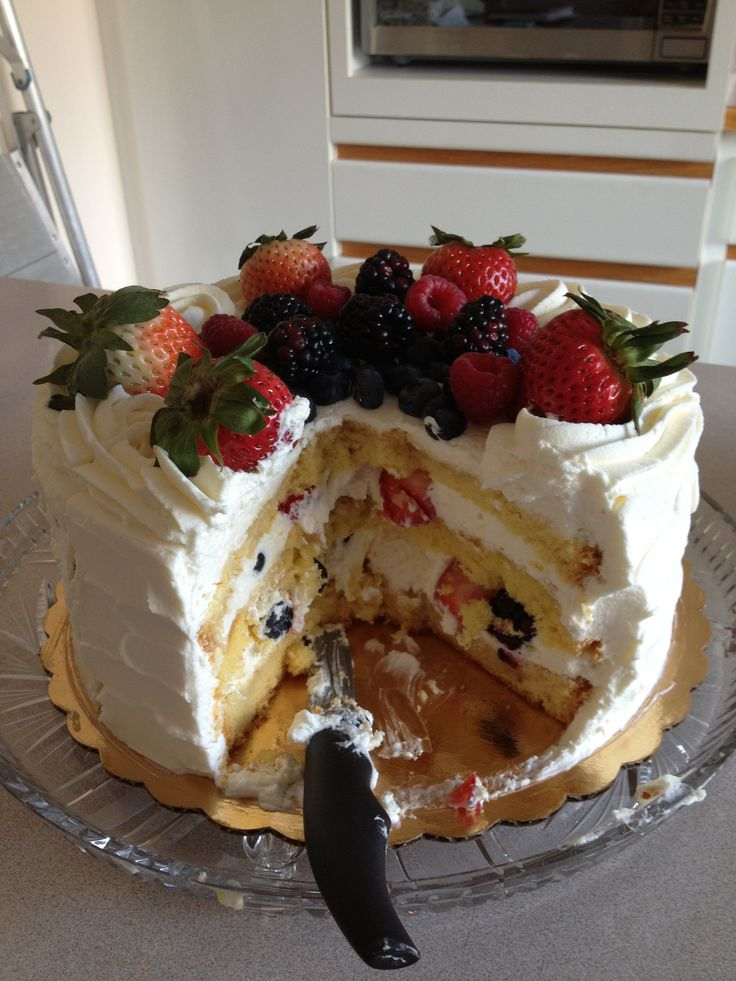 Whole Foods Chantilly Cake Calories