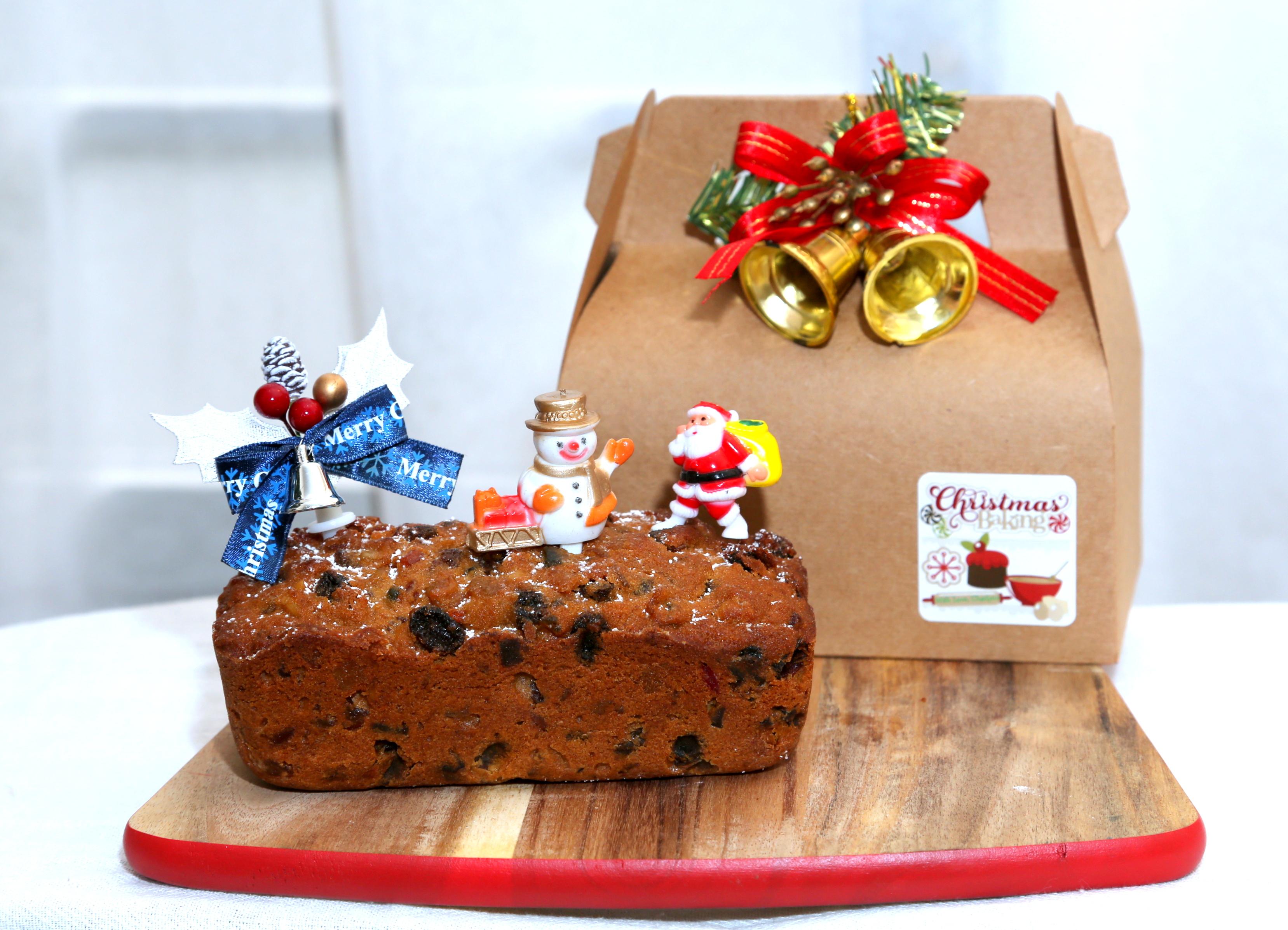 Nigella Christmas Cakes