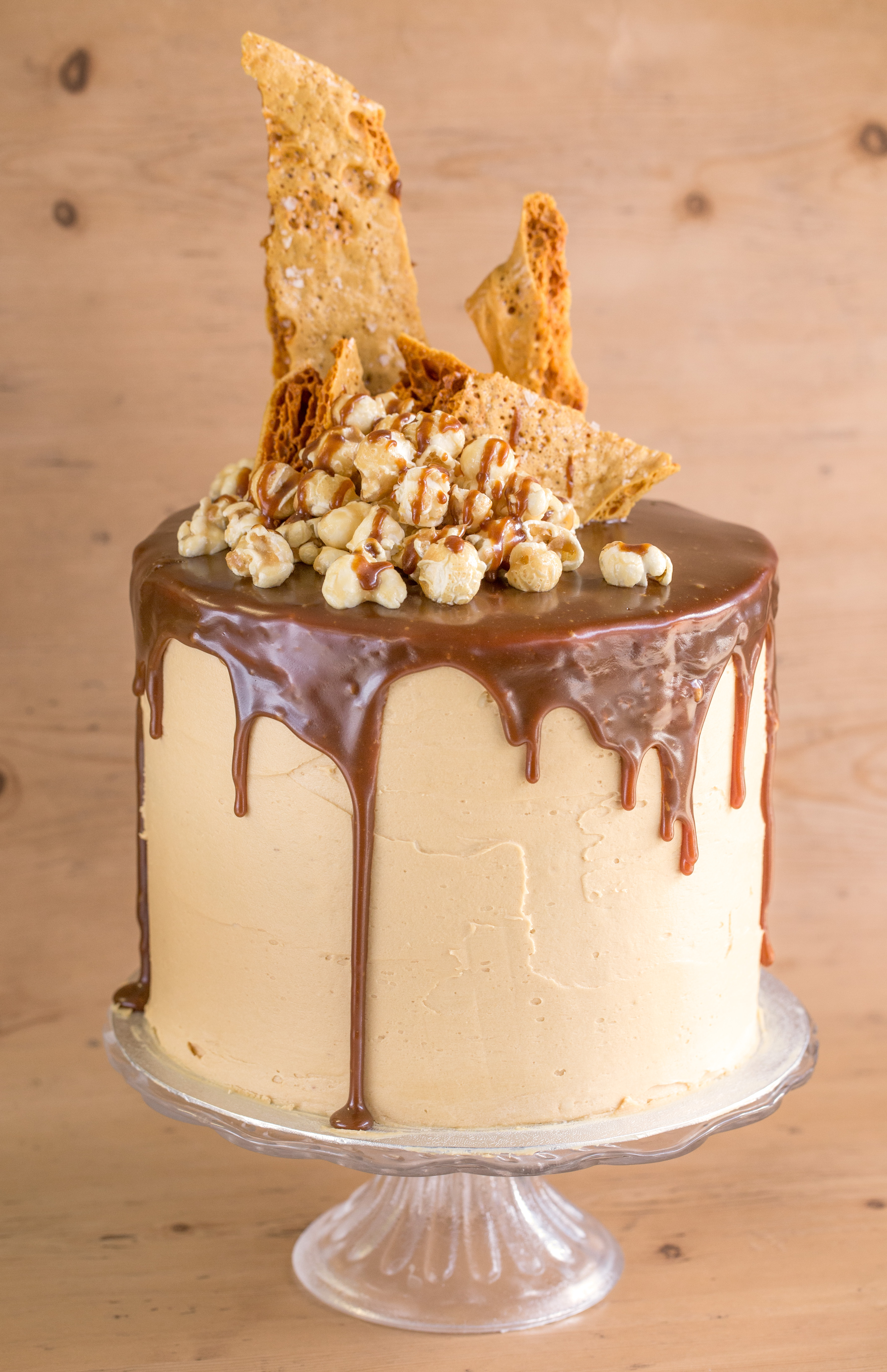 caramel wedding cakes