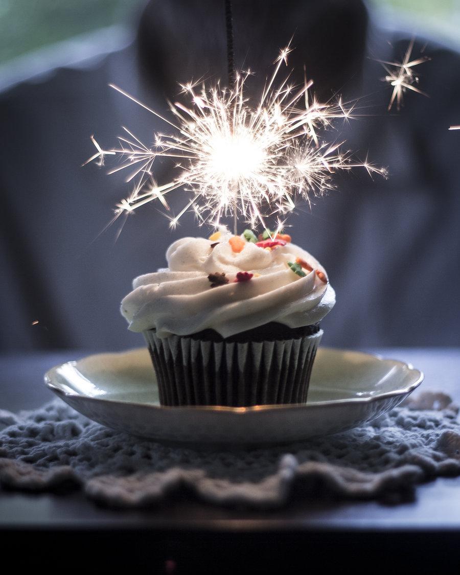 Sparkling Birthday Cakes