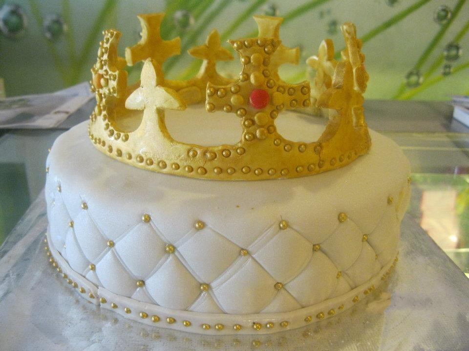 Crown Birthday Cakes